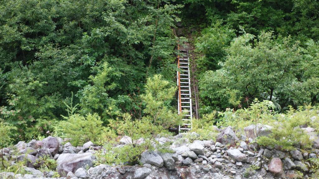 北アルプス でのはしご