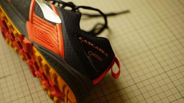 「BROOKS」の「CASCADIA12 GTX (カスケディア12)」