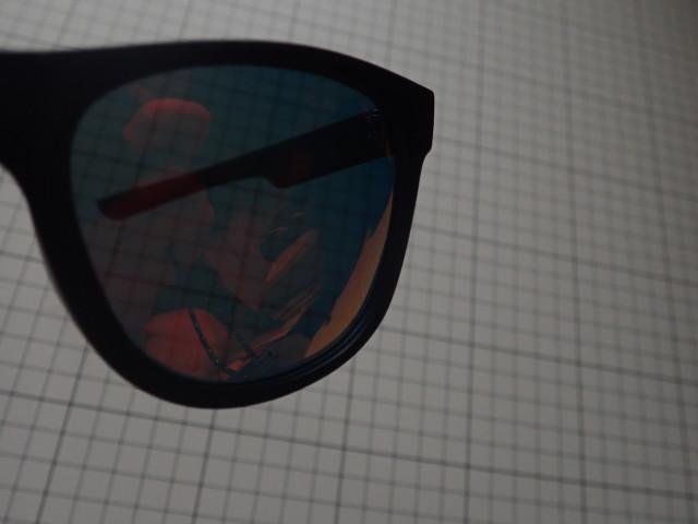 ANSWE4のオリジナルサングラス