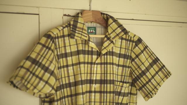 オールユアーズのシャツ